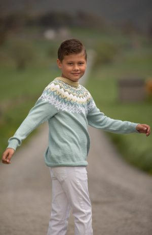 Nova genser Lys petrol barn 2017-1a